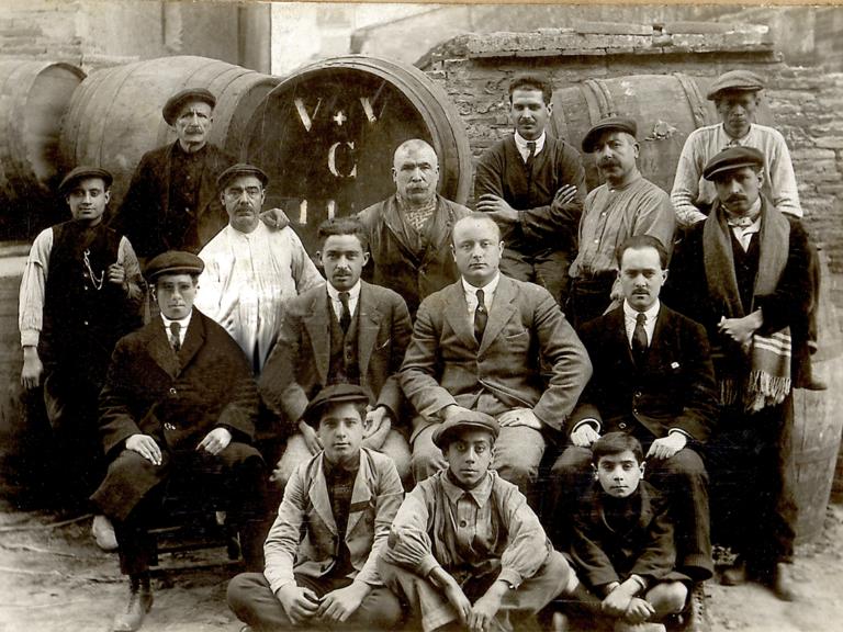 Benedetto Valsangiacomo y su equipo en el Grao de Valencia